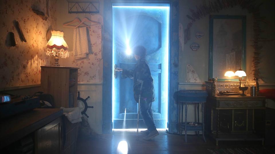 Za niebieskimi drzwiami
